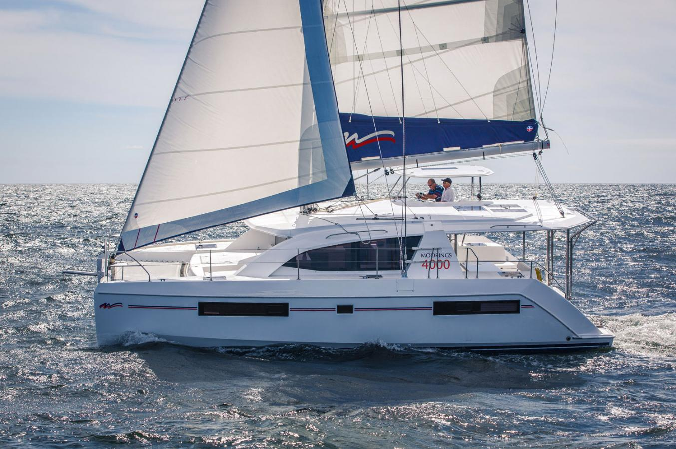 Moorings 4000 catamaran en navigation