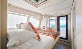 Port bridgedeck cabin